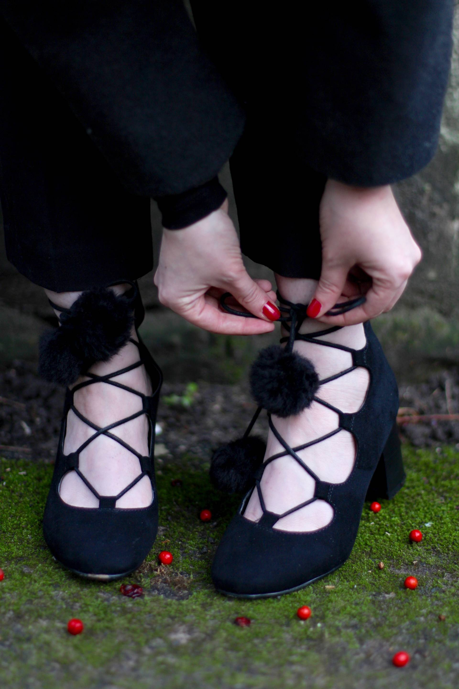 style lace up shoes
