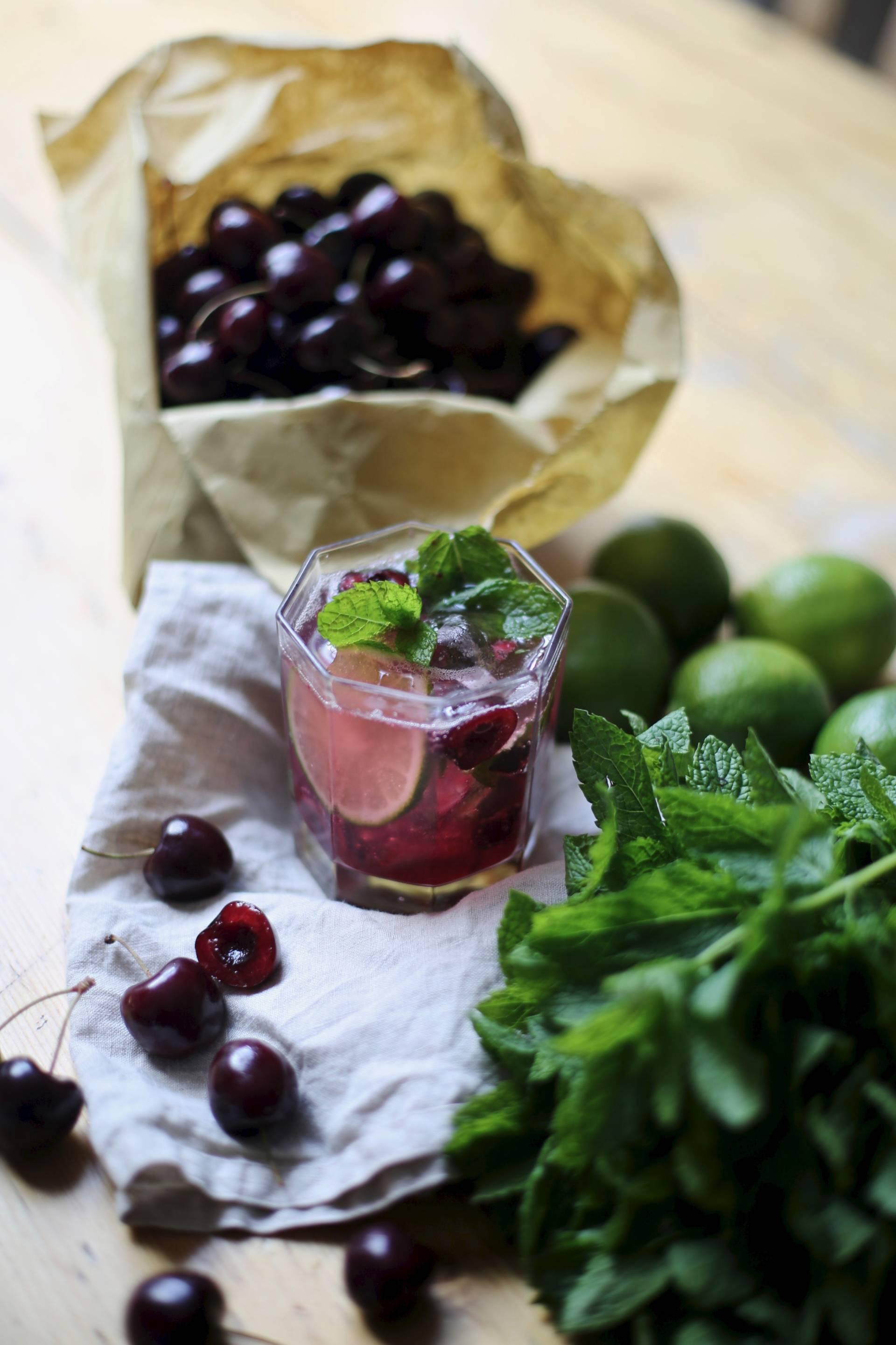 cherry and mint mojito